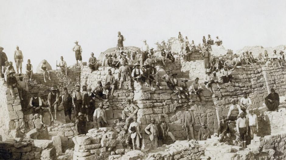 Ausgrabungsarbeiten von Troja, um 1890
