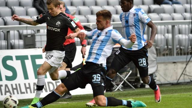 Jakub Kosecki SV Sandhausen Marin Pongracic TSV 1860 Muenchen Lumor Agbenyenu TSV 1860 Muench