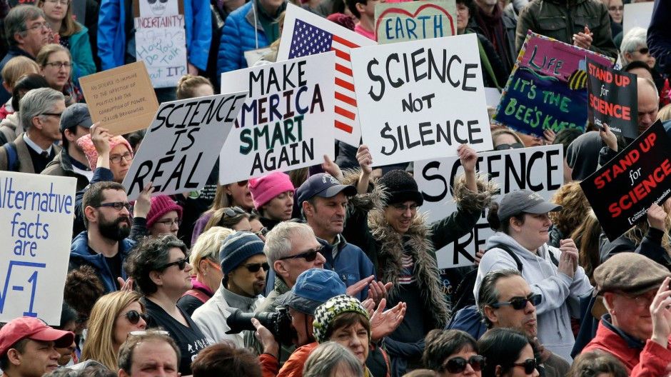 Wissenschaftler demonstrieren - weltweite Protestbewegung