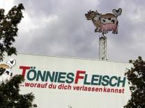 Fleischfabrikant Tönnies angeklagt