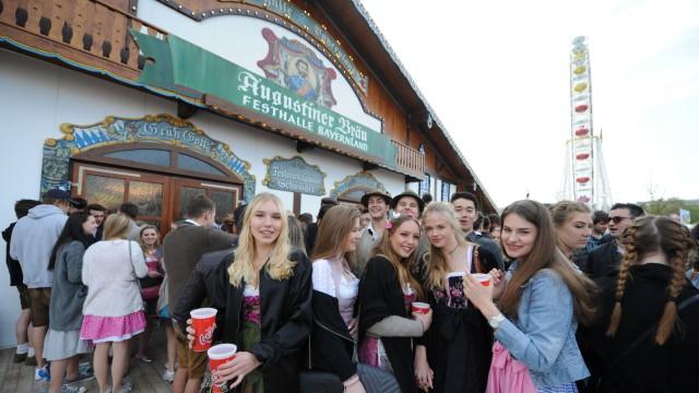 Bier Eröffnung des Frühlingsfest