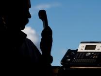 Betrüger nutzen Telefonnummern von Polizei und Gerichten