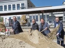 Pullach, S-Bahn Höllriegelskreuth, Umbau zum barrierefreien Bahnhof,