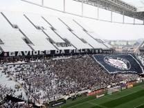 Corinthians v Figueirense - Brasileirao Series A 2014