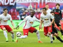 Marcel Sabitzer Naby Keita Diego Demme v li RB Leipzig 1 Fussball Bundesliga Saison 2016 2017