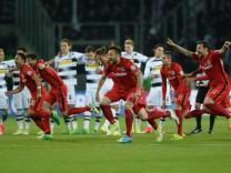 25 04 2017 xmhx Fussball DFB Pokal Borussia Moenchengladbach Eintracht Frankfurt emspor v l