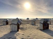 Travemünde an der Ostsee: Breiter Strand und große Schiffe