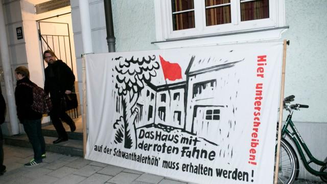 """Podiumsdiskussion zum """"Haus mit der Roten Fahne"""" in München, 2017"""