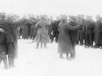 Deutsch-russische Soldatentänze an der Ostfront, 1917