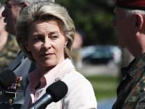 Minister Ursula von der Leyen