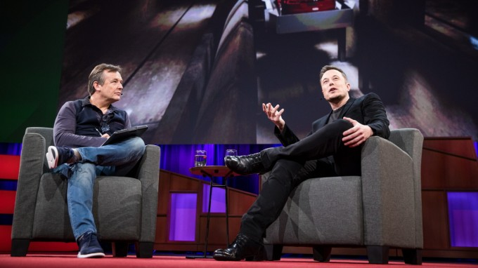Chris Anderson interviewt Elon Musk bei der Ted Conference in Vancouver. (Foto: Bret Hartman/TED)