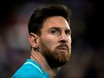 FILE PHOTO: Football Soccer - Athletic Bilbao v Barcelona in King's Cup soccer match