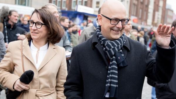Schleswig-Holsteins Ministerpräsident Torsten Albig (SPD) und seine Lebensgefährtin Bärbel Boy