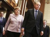 Binali Yildirim, Angela Merkel