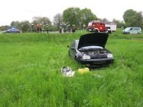 Unfallfahrer klaut Helfer das Auto