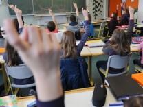 Schule: Klassenzimmer eines Gymnasiums in Baden-Württemberg