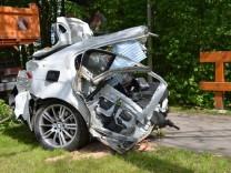 Auto bei Unfall in Ismaning zerfetzt