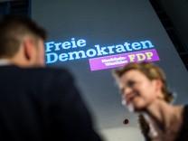 FDP-Anhänger am Wahlabend in NRW