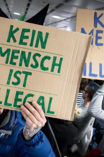Demonstration gegen Abschiebung von Flüchtlingen