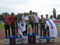 Fußballmannschaft des Einrichtungsverbunds Steinhöring, die BZ Löwen, gewinnen 2016 den Seni-Cup