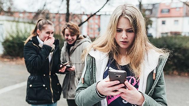 Safer Internet Day  - Cybermobbing