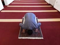 Moslem beim Gebet in München, 2017