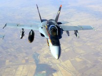 Fresh US air strikes in Syria, Iraq