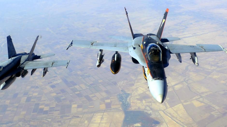 Fresh US air strikes in Syria, Iraq
