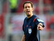 FC Ingolstadt v Eintracht Frankfurt - Bundesliga; Manuel Gräfe