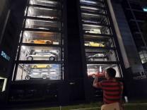 Der Luxuskarossen-Automat von Autobahn Motors in Singapur.