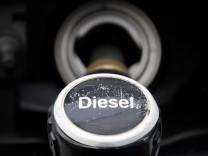 Diesel-Zapfhahn an einer Tankstelle in Berlin.