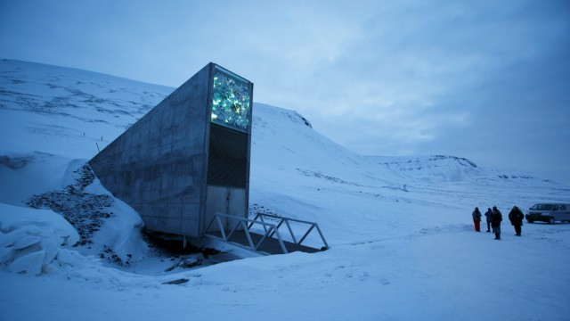 SGSV international gene bank in Norway; Global Seed Vault Weltweiter Saatgut Tresor