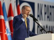 Türkei: Recep Tayyip Erdoğan beim Parteitag der AKP in Ankara