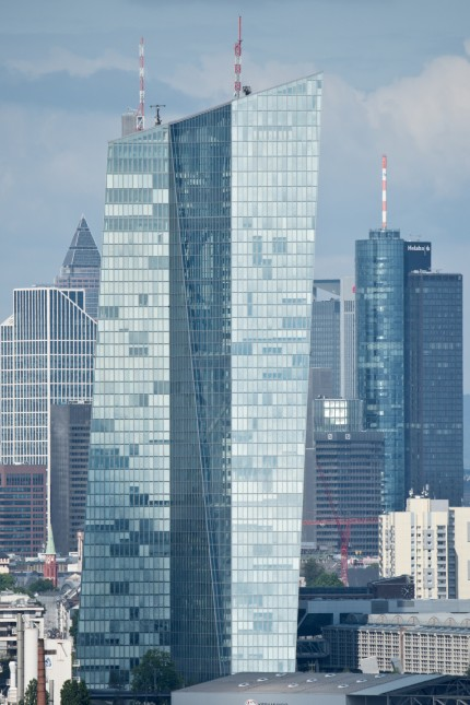 Frankfurter Skyline mit EZB