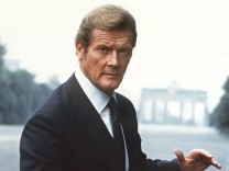 'James Bond' Roger Moore wird 70