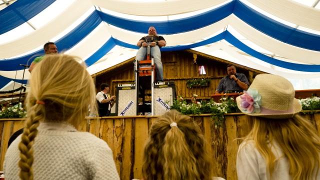 Steinheben, Stoaheb'n Volksfest Grafing