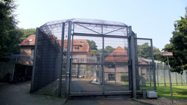 Gefangener flieht aus Psychiatrie