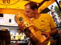 Borussia Dortmund team celebrate German Soccer Cup Final victory