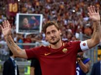 Football Soccer - AS Roma v Genoa - Serie A