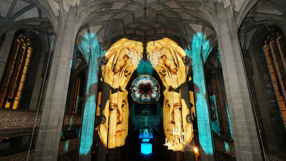 Lichtperformance 'luthERleuchtet' in Halle