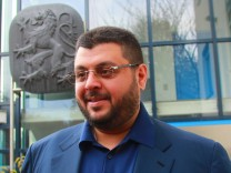 Bilder des Tages SPORT Investor Hasan Ismaik verlässt die 1860 Geschäftsstelle Fussball 2 BL; Ismaik