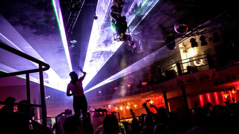 Silvester im Q-Club im Werk 2 auf dem Partygelände Kultfabrik in München, 2015