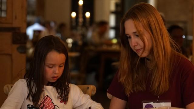 Kinderbetreuung im Restaurant: Essen und spielen - München