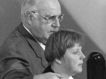 Helmut Kohl und Angela Merkel, 1994