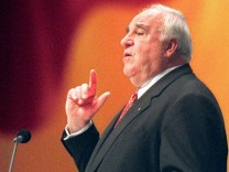 Bundeskanzler Kohl beendet Parteitag