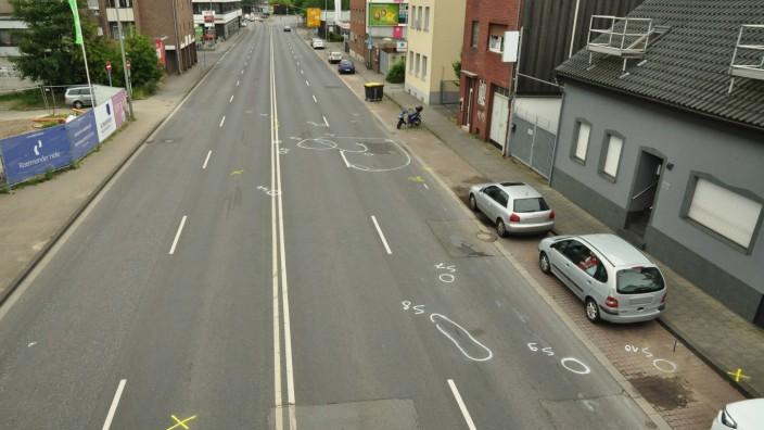 Mönchengladbach - Fußgänger bei illegalem Autorennen getötet