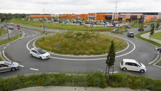 Kreisel, Kreisverkehr - Parsdorf