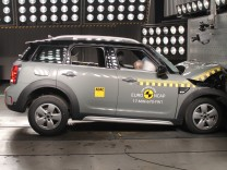 Mini Countryman beim EuroNCAP-Crashtest