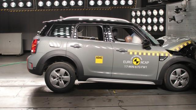 Mini Countryman beim EuroNCAP-Crashtest