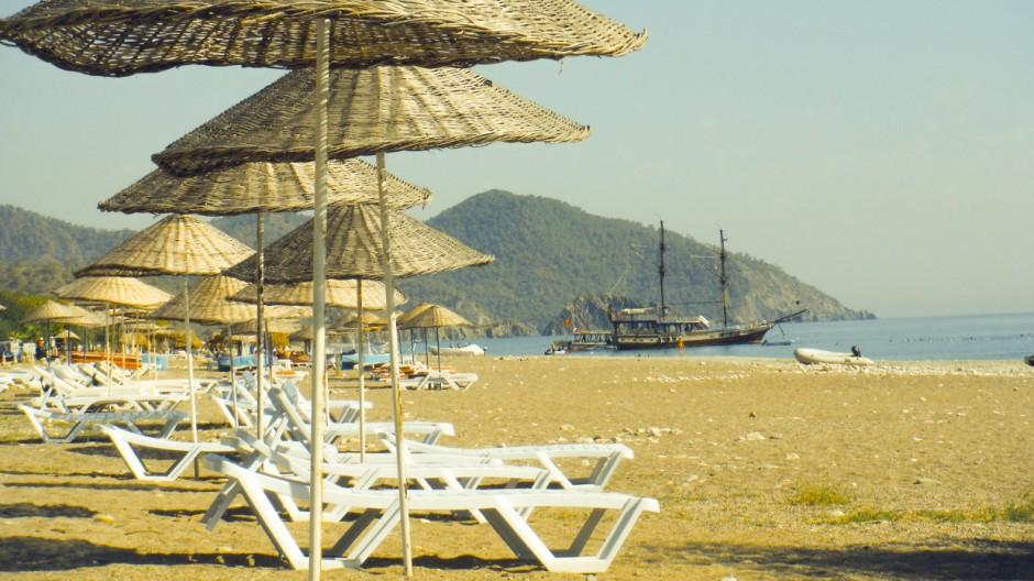 28 09 2015 Cirali Strand Mittelmeer t¸rkische Riviera T¸rkei Provinz Antalya leere StrâÄ°nde leerer St